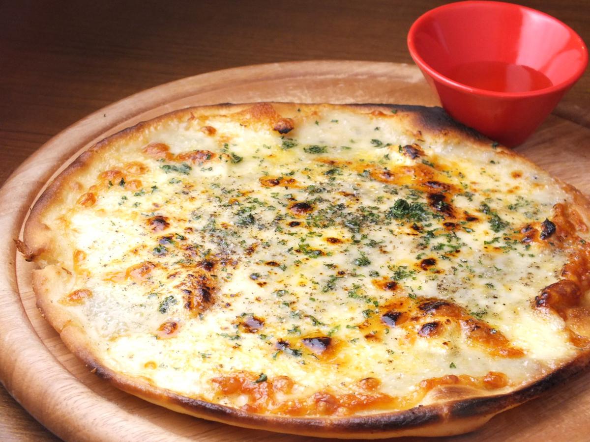 クアトロピッツァ~4種のチーズ~