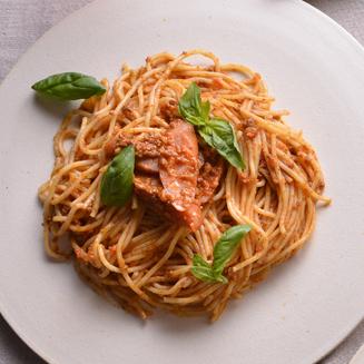 Beef cream Bolognese pasta