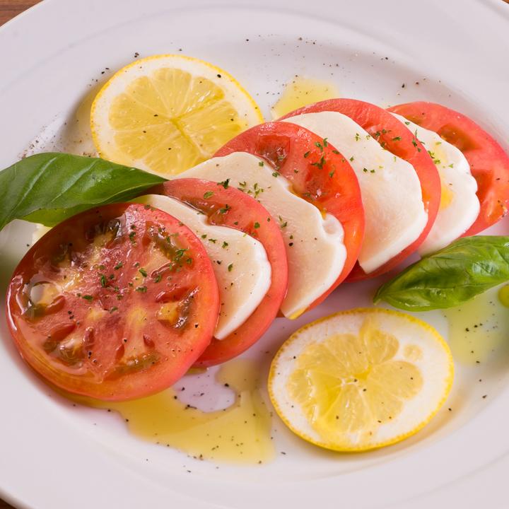 Caprese成熟的西红柿