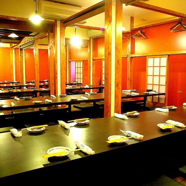 2・3階の掘りごたつ個室は人数によって仕切ることができ、ひと部屋で最大80名様までご宴会可能です☆