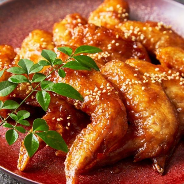 [Private room izakaya] The best of the best chicken wings and draft beer compatibility!