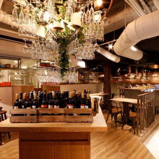 Wine chandelier sparkling in the shop ★ Women's Association, Gokon, celebration ◎