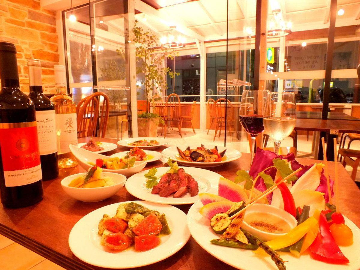 駅近!開放的なテラス席が魅力★ワインと一緒に美味しいお料理をご堪能