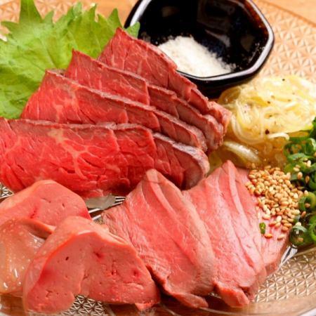 ≪肉刺し盛合わせ×もち豚のロース焼コース≫鮮魚刺し盛りなど全8品 生・果実酒2H飲放付3500円