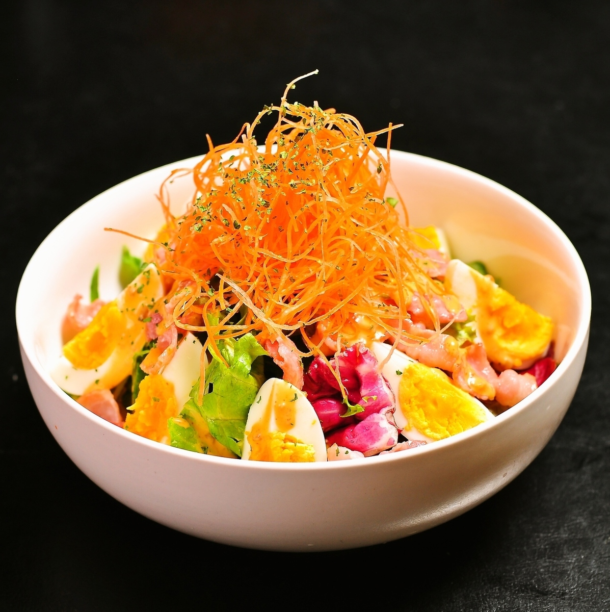 培根和雞蛋煮熟的沙拉/秋田美容沙拉 - 烤芝麻醬〜