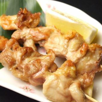 鶏もも串焼き/鶏皮串焼き/ぼんじり串焼き/つくね串焼き・・(塩・たれ)
