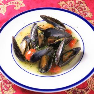 White wine steamed mussels