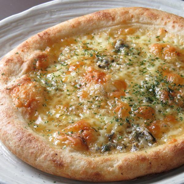 戈贡佐拉和蜂蜜披萨☆全尺寸1190日元/半尺寸600日元★