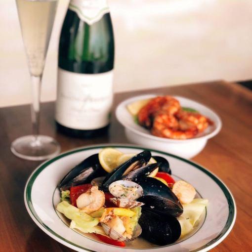 【歓送迎会にオススメ!】2H飲み放題+料理9品春の貝ワイン蒸しと近藤スワインポークコース4000円
