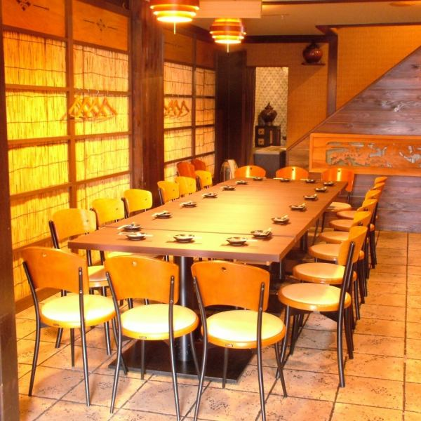 1F can connect tables and 12 to 20 banquets possible! The table is OK for two people ~ OK ♪