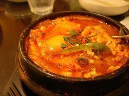 된장 찌개 (한국 된장 찌개) / 슨 트브 치게 (두부 찌개) / 김치 찌개