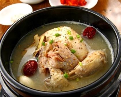サムゲタン(参鶏湯)
