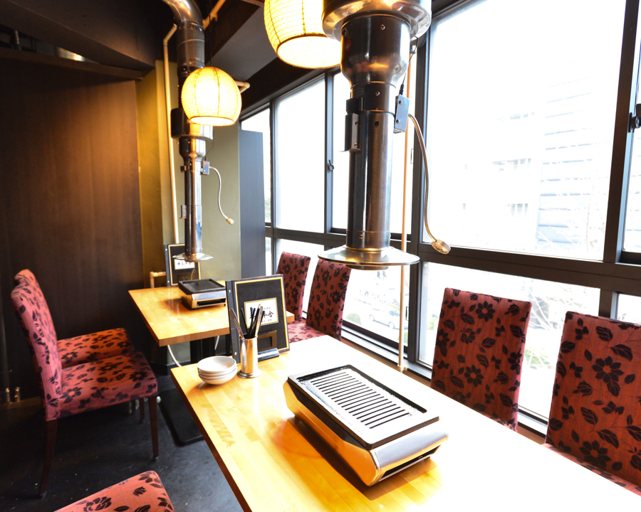 私人房间最多可容纳14人。您可以在各种场景中使用它,例如共同的朋友和公司饮酒派对。