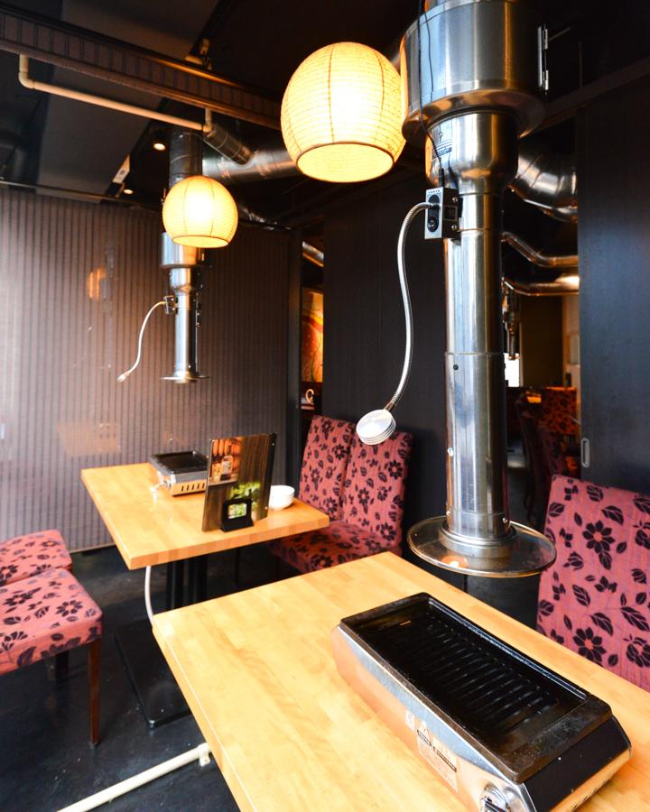 私人房间可供6至10人使用。您可以一边享用休闲美食,一边欣赏窗外的夜景。