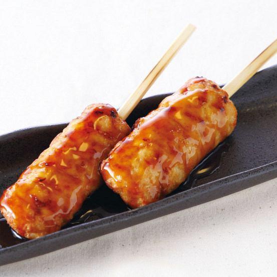 つくね串・鶏かわ串(一皿2本盛り)
