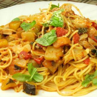 当店自慢の手作りミートソース/及びイカと明太子のスパゲッティ