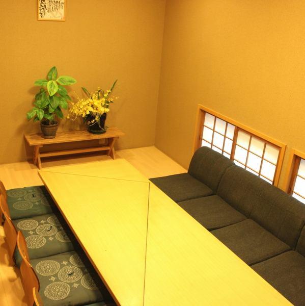 お座敷個室(20名様前後)、掘りごたつ式個室(10名様前後)もご用意しております。お食事会、ご宴会など様々なシーンに対応できますよ♪