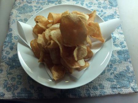 ■ 갓 튀긴 감자 칩