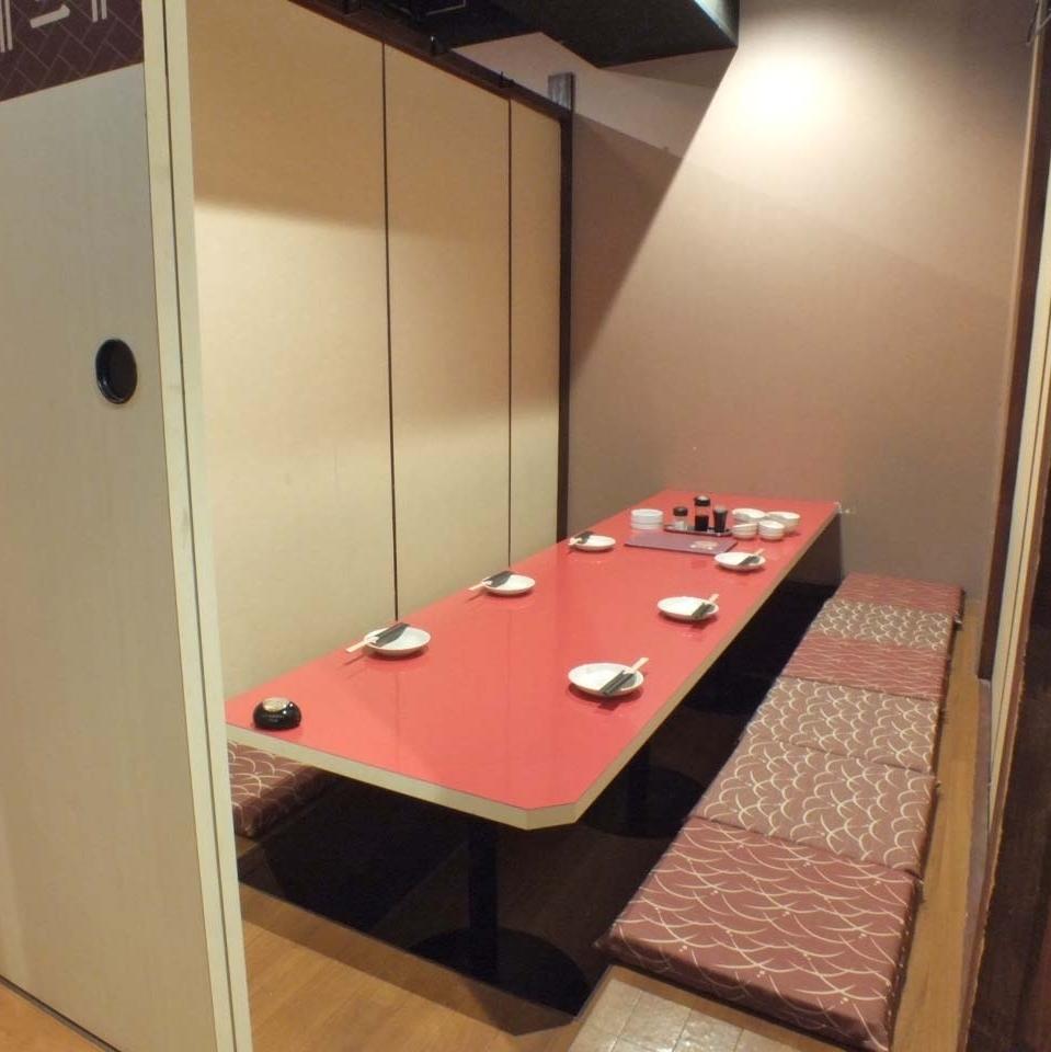 六位客人完美的私人房間★引導任何人到完整的私人房間★