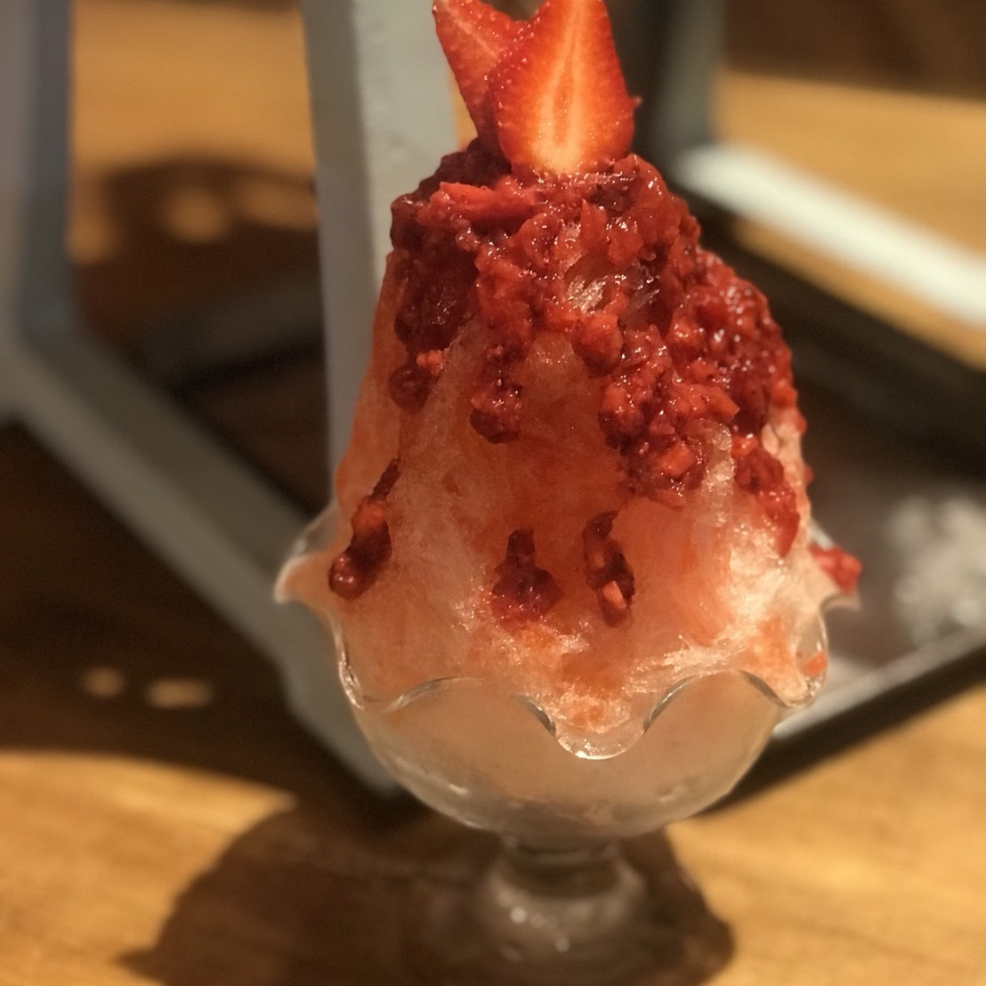 Shaved ice of raw strawberries