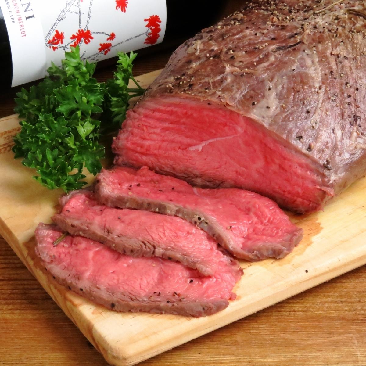 Mature Tajima cow roast beef with special sauce