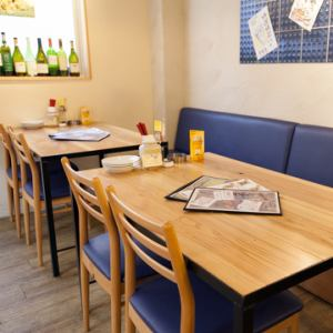 1F  テーブル席&カウンター席