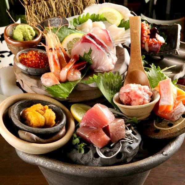 어부 모듬 : 곱배기 1,980 엔 · 중 모듬 980 엔 : 전국의 어항에서 물고기를 호쾌하게 회를 담아합니다.