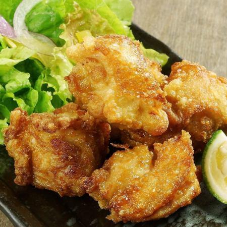 マグロの唐揚げ/鶏の唐揚げ