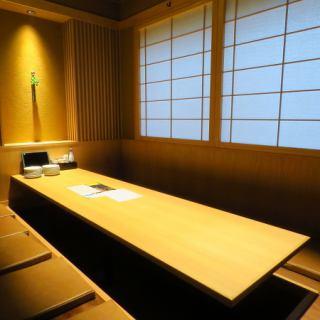 【2階】8名様と10名様用の完全個室。こちらも仕切ることも繋げて大人数でもご利用いただけます。人気のお席なのでお早めにご予約下さい。