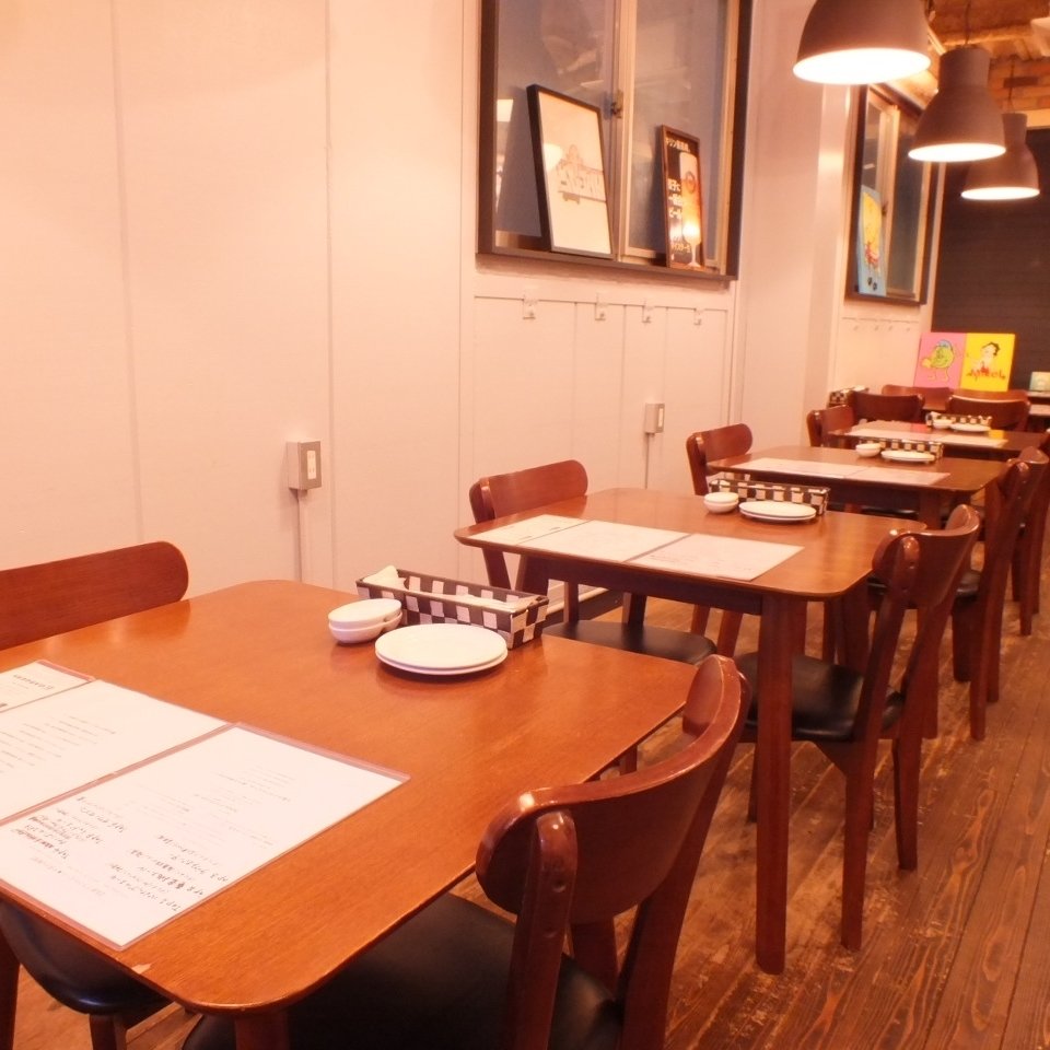 There are table seats available for 1 to 8 people ♪ Variable table ★ Use of group is also welcome so please inquire.