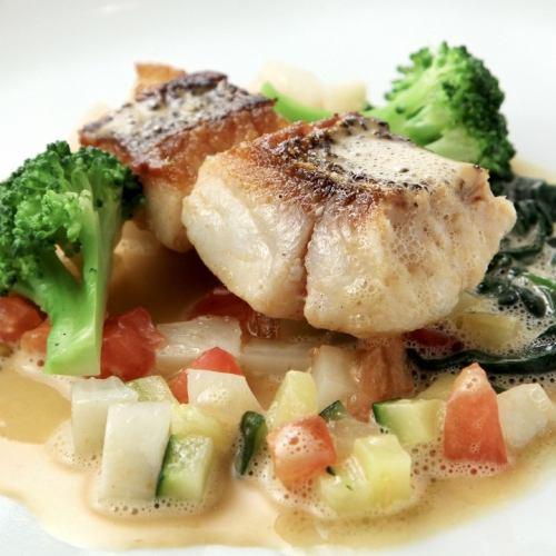 魚料理・肉料理