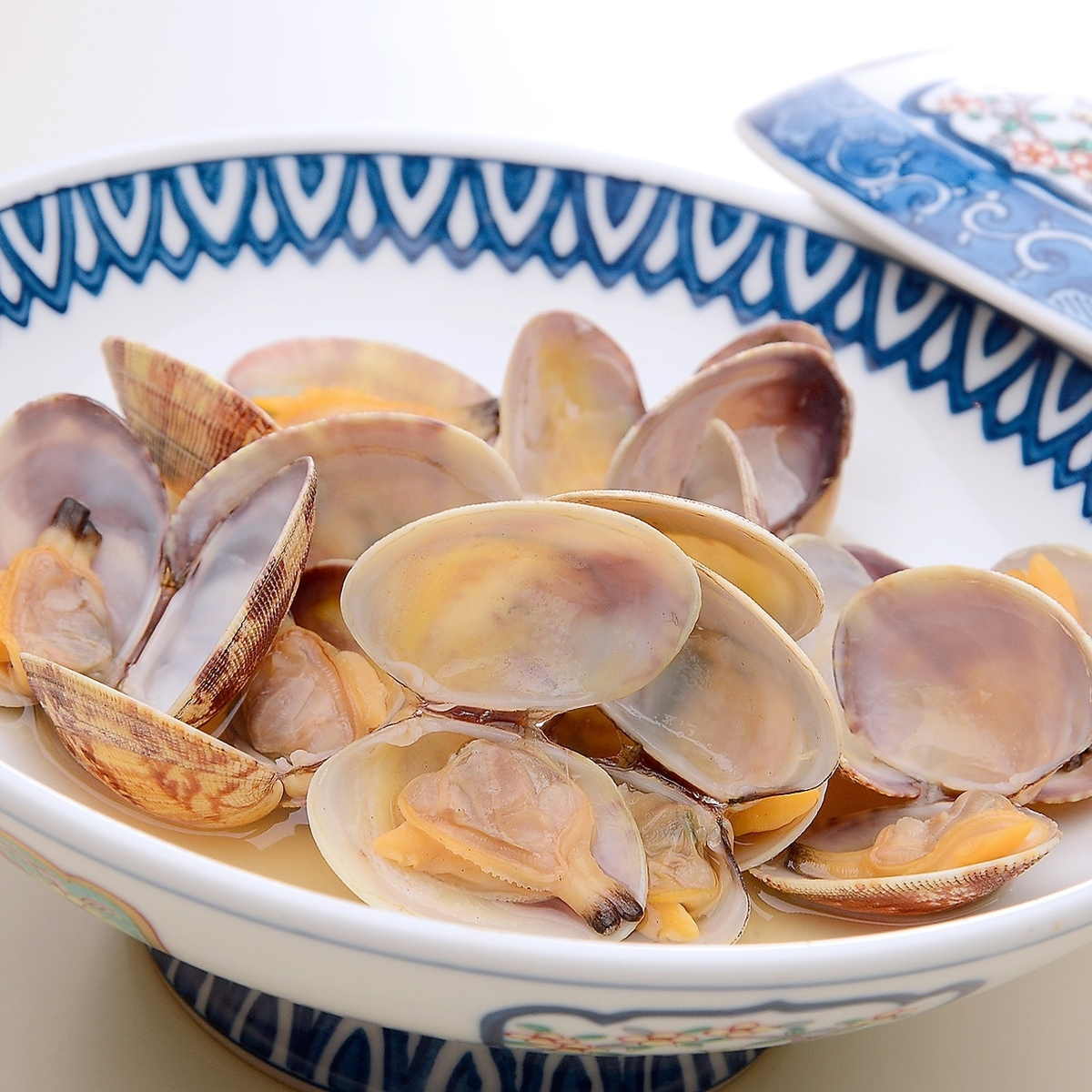 Steamed clam with sake