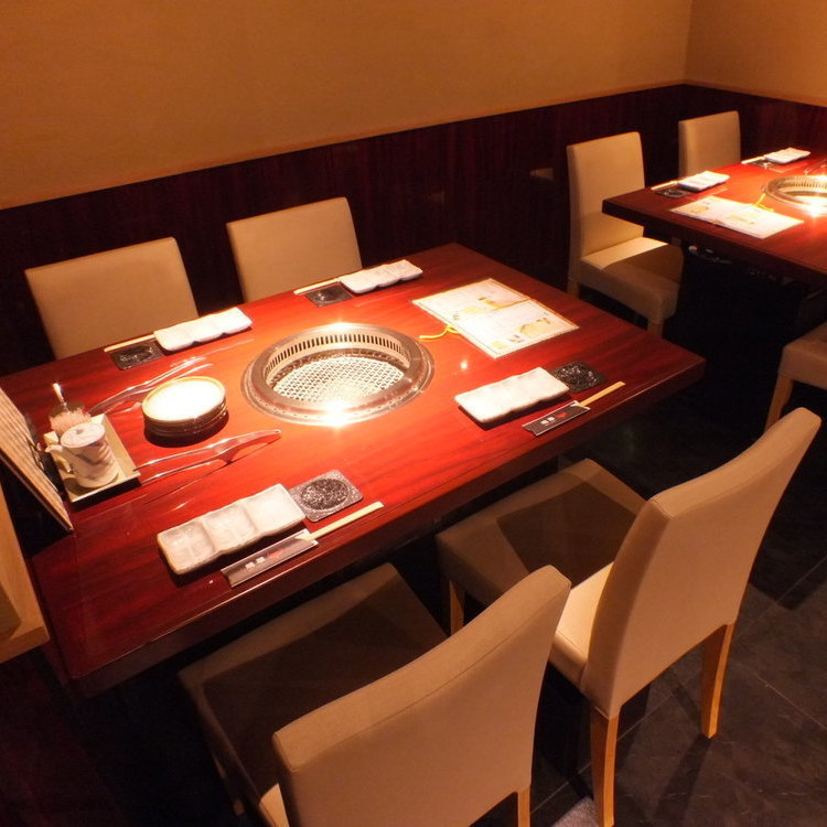 We can accommodate from small group to large banquet.