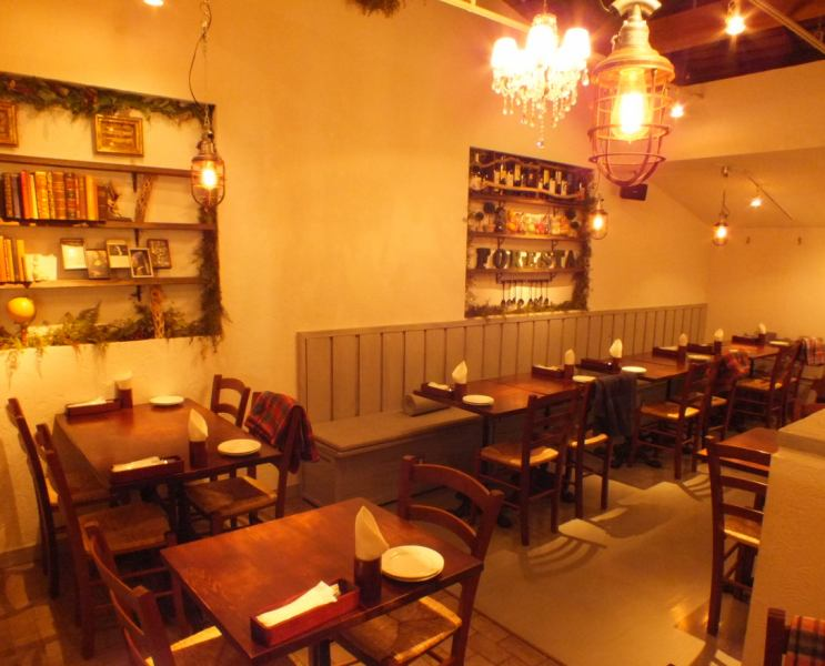 Second floor seats can be reserved for 20 to 30 guests OK! Enjoy your meals and parties without worrying about the surroundings.Course with 2 hours drink all you can from 4980 yen ~, please feel free to contact us for other details!