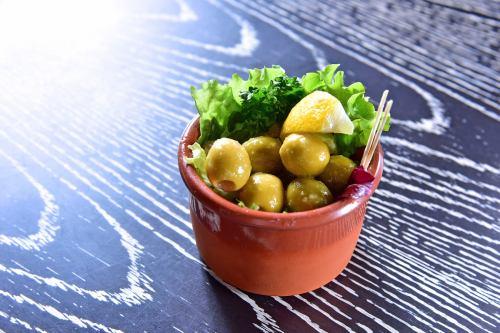 Marinated olive garlic