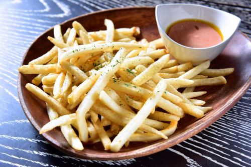 French fries with iolic sauce