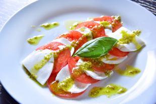 Caprese番茄和马苏里拉奶酪