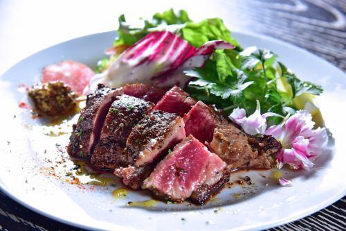 Beef shoulder steak 200g ~ garlic onion sauce ~