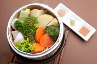 許多喜愛蒸季節性非農藥蔬菜