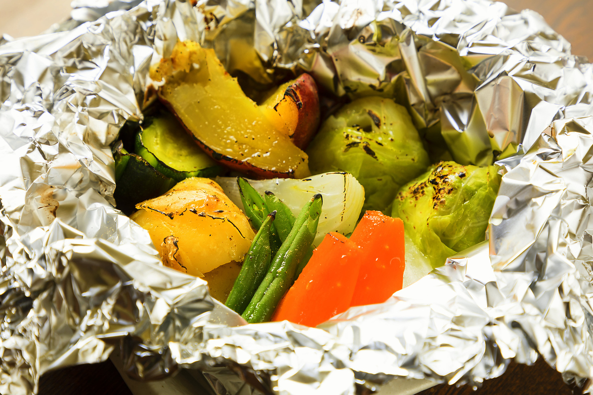 Foil grilled grilled vegetables without pesticide