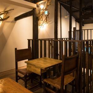 【2階:テーブル席】