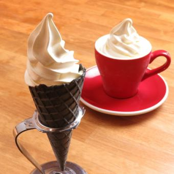 [Introduction to TV ☆] Easy cafe special soft cream [corn 380 yen / cup 350 yen] take out OK