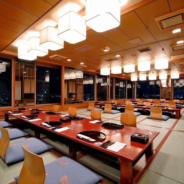 There are 12 fully-private rooms of Okazaki digging OK for 5 to 50 people.You can enjoy a full night view.Also welcomed by welcome reception, alumni association and Nissin annual meeting.