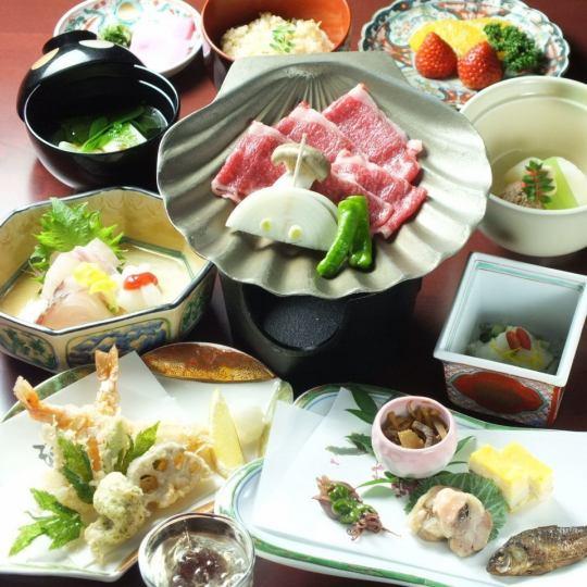 希萨什·卡瓦御膳(共11道菜)¥7020(Zeisakomi7722日元)