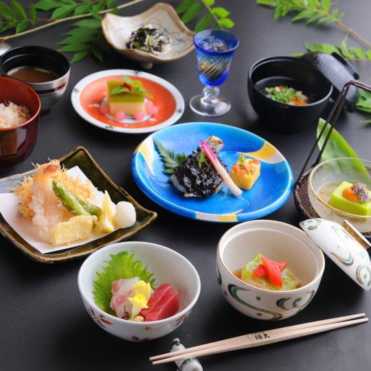 [后期由交易分]怀石料理的午餐是在¥免费使用该服务时3780五包房13 :! 30〜16:00到了