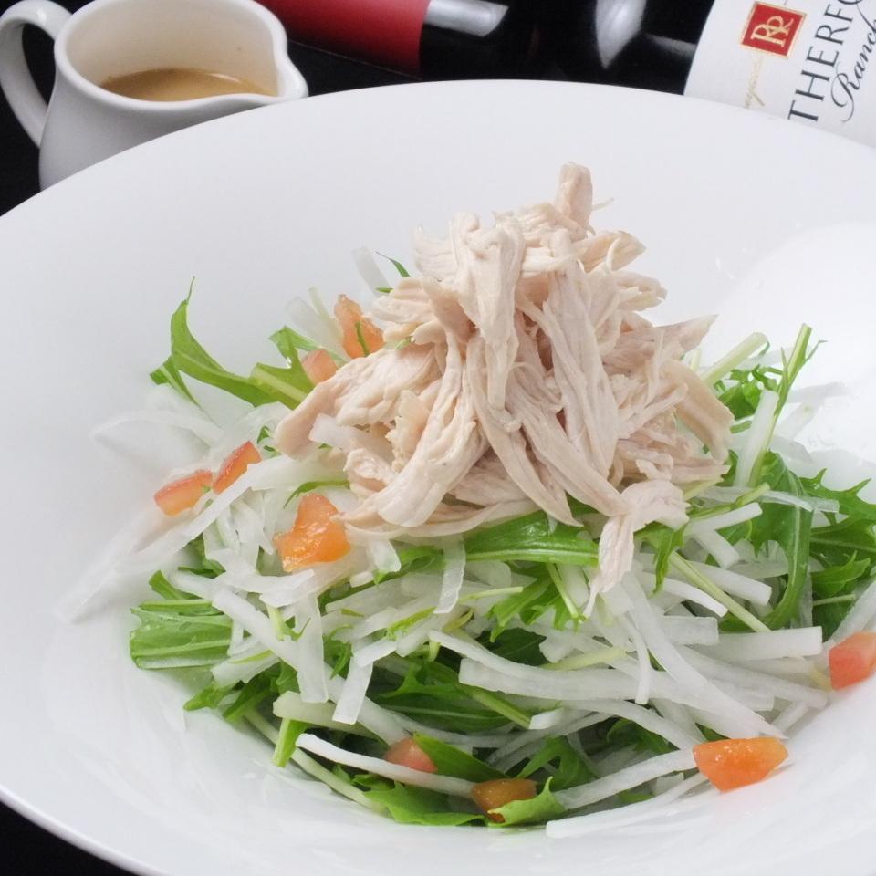 シャキシャキ水菜と大根のチキンサラダ