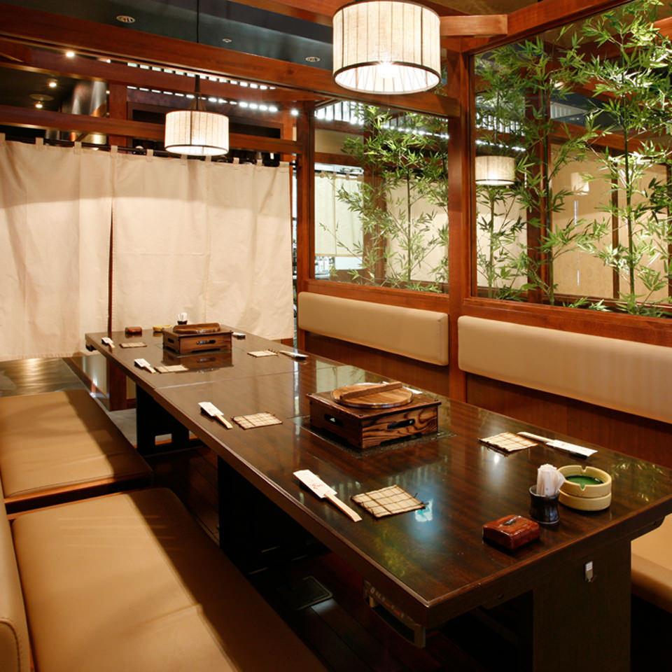 桌子私人房間最多可容納12人
