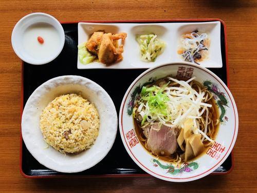 半チャン ラーメンセット(醤油or豚骨)