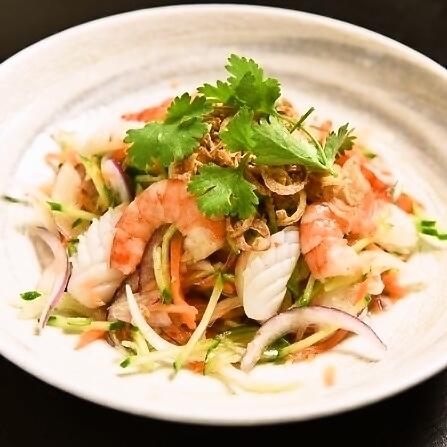 細麵條和海鮮沙拉定期(2~3份)