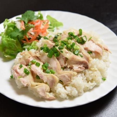 ベトナム風チキンライス / 鶏肉鍋ご飯 / 牛肉炒めご飯